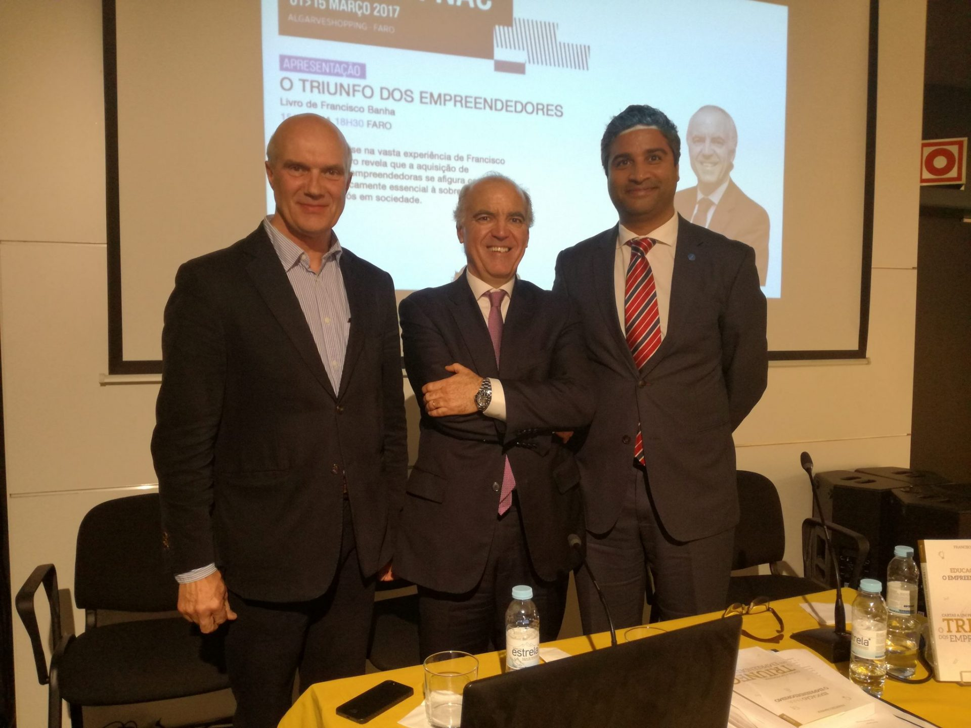 Apresentação O Triunfo dos Empreendedores - Faro